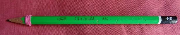 crayon avec elastique.jpg